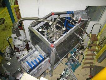 Установка для получения ультрахолодных нейтронов. Фото с сайта www.ill.eu